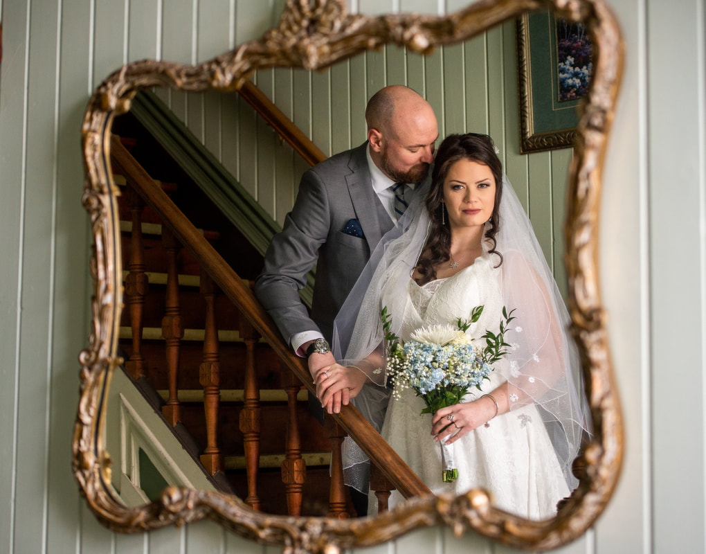 wedding portraits, Baldachin Inn Wedding, winter wedding, Merrickville, ballroom, bride and groom, reflection