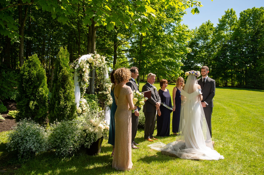 wedding ceremony, Colonial Flowers