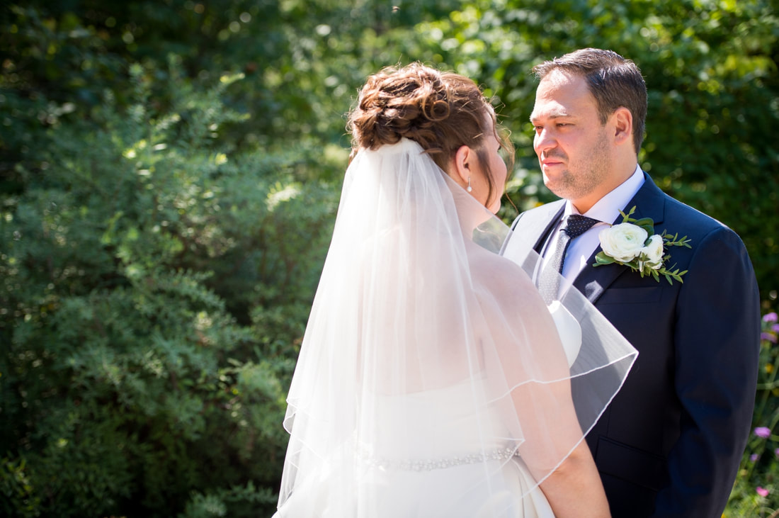 first looks, Wakefield covered bridge, bridal portraits, bride and groom