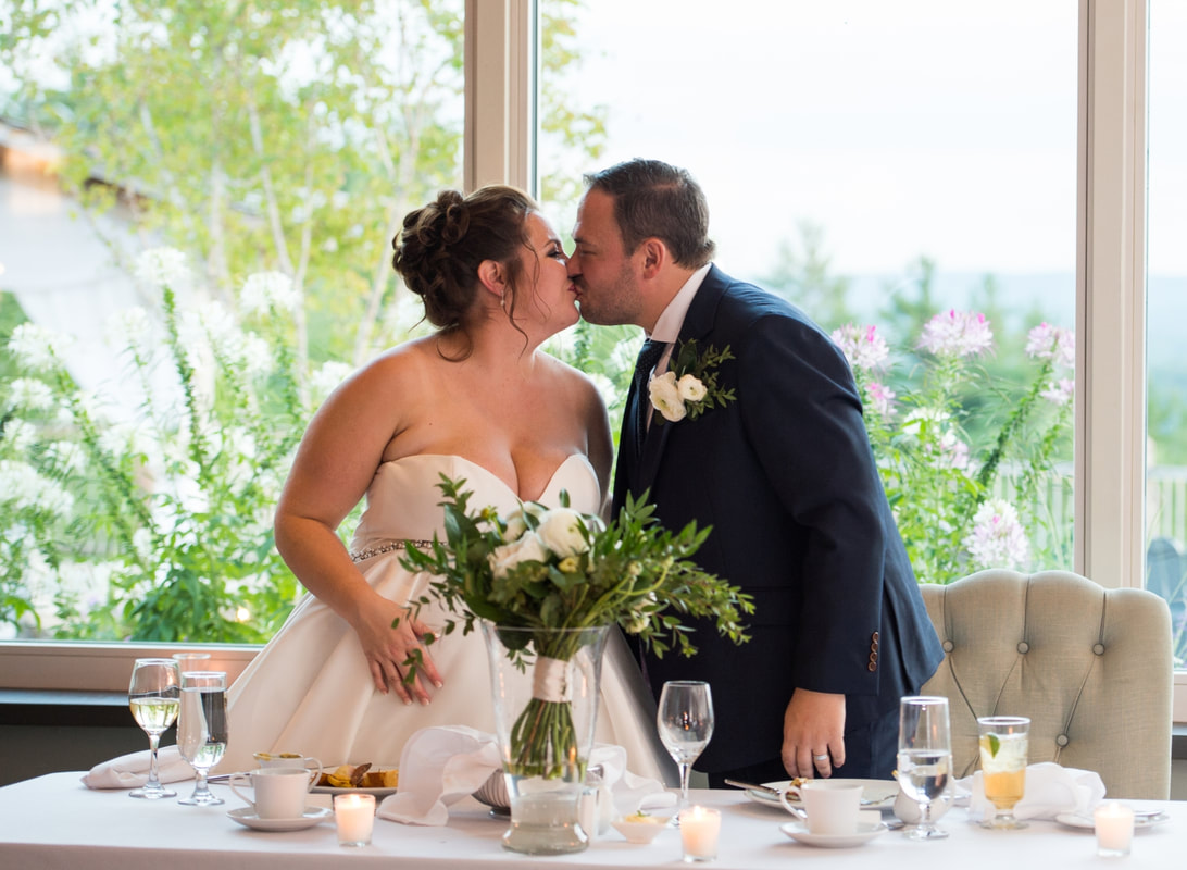 the kiss, wedding reception, Le Belvedere